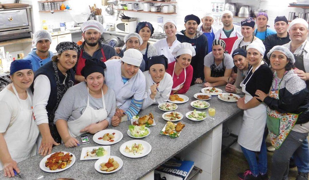 """FEHGRA Gualeguaychú realizó el curso """"Cocina Profesional"""""""