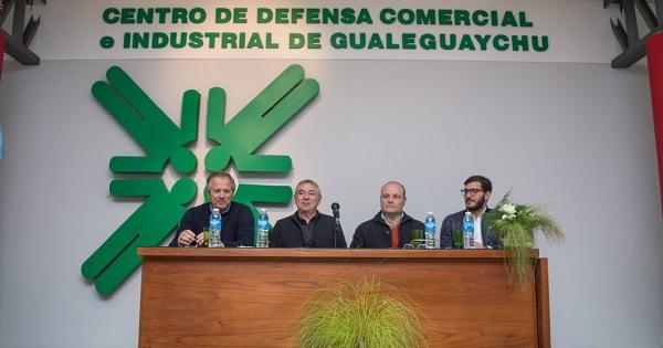 """Lanzamiento """"Perspectivas Políticas y Económicas 2018"""""""