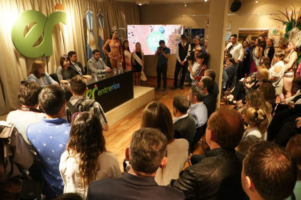 Firma de convenios entre operadores turísticos locales y Secretaría de Turismo de la Nación