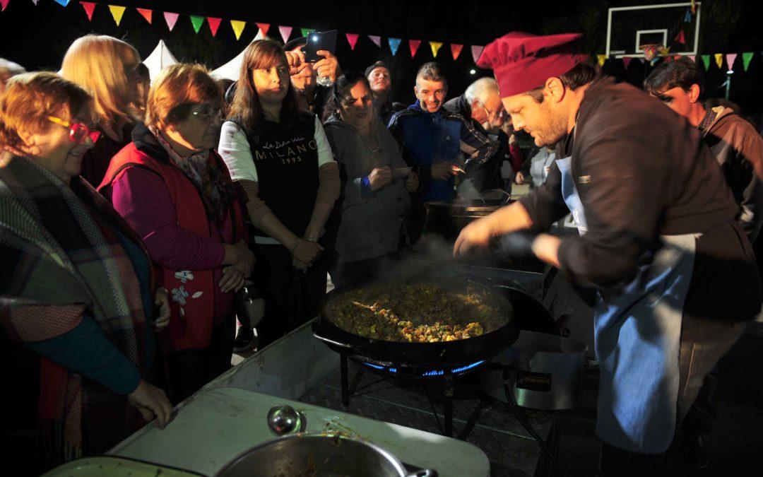 Cocinando en Fiesta Regional de Pueblo Belgrano