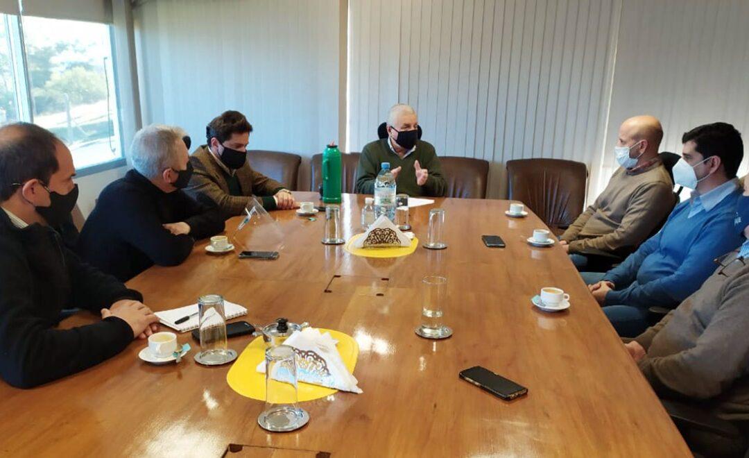 Las cuatro filiales entrerrianas de FEHGRA, sobre el corredor del Río Uruguay, se reunieron con Lauritto, titular de CARU